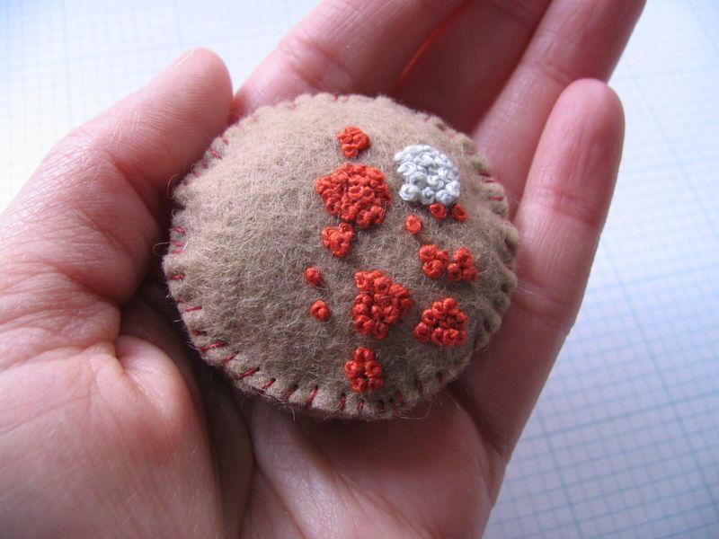 Lichen Brooch 2, 8