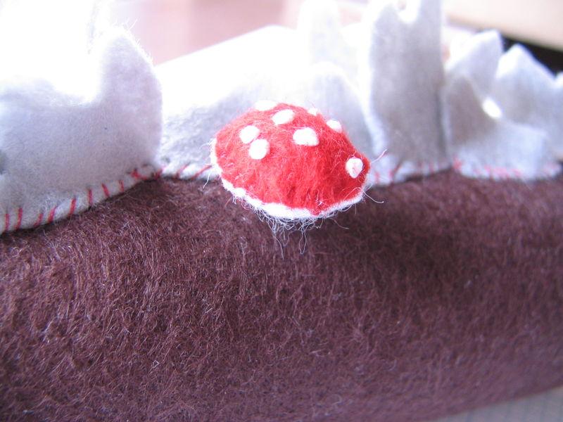 Mushroom Pin (stuffed), 1