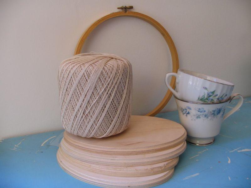 Hoop, cups, string, plaques, 3