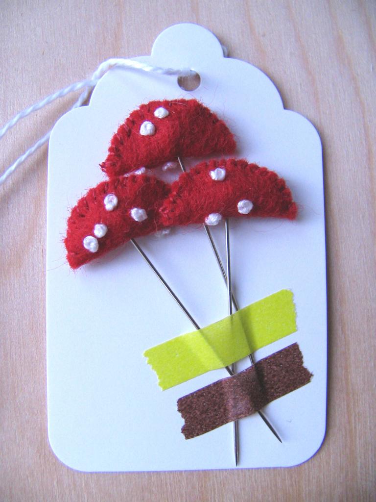 3 Mushroom Pins, 7_lightsmall