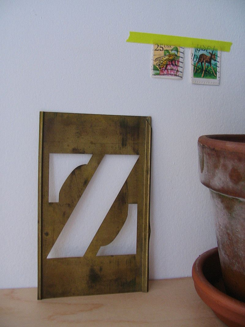 Z Stencil, 1e