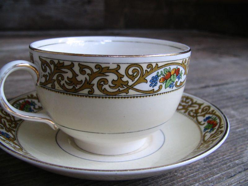 Floral Teacup & Saucer, 2_e